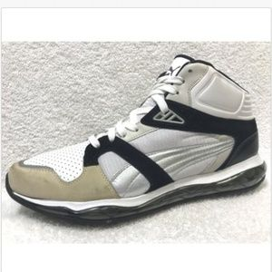PUMA XS 850 Tech High Metropolis Pack Running Shoe